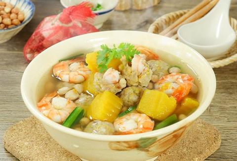 hinh-anh-thuc-don-mon-suat-an-cong-nghiep-phu-binh-an-Canh bí đỏ nấu tôm