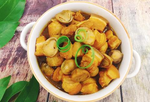 hinh-anh-thuc-don-mon-suat-an-cong-nghiep-phu-binh-an-Thịt kho nấm rơm